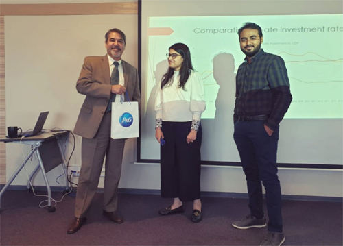 ED Dr. Farrukh Iqbal delivered a talk on macro-economic trends in Pakistan